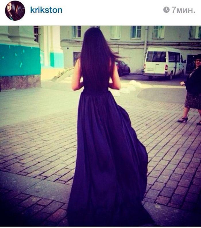 Фото брюнеток в платье сзади