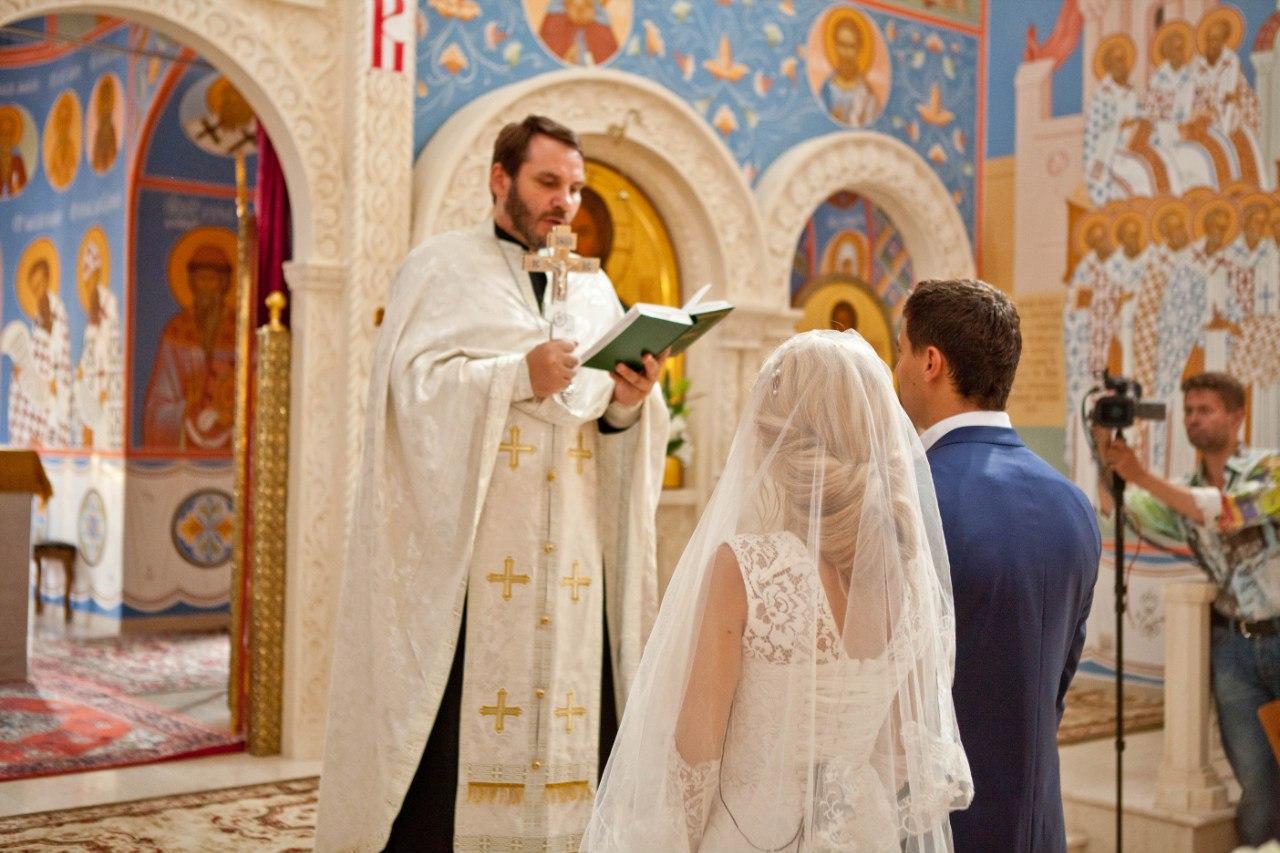 Прическа для венчание в церкви