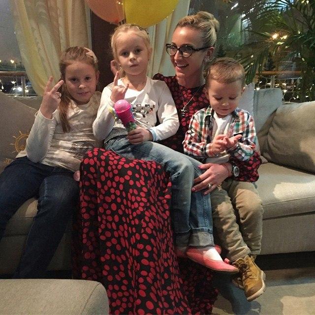 Ольга Бузова Говорю с мужем о детях и не могу сдержать