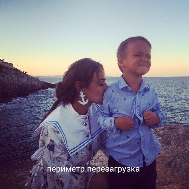 Сын Алены Водонаевой пойдет в школу в Лос-Анджелесе