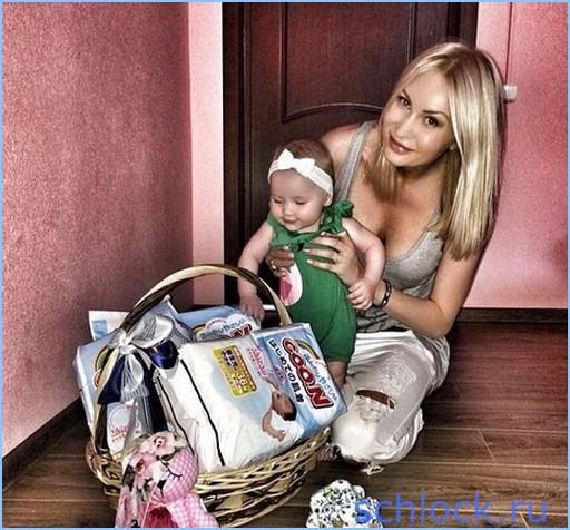 Элина познакомит дочь с Настей