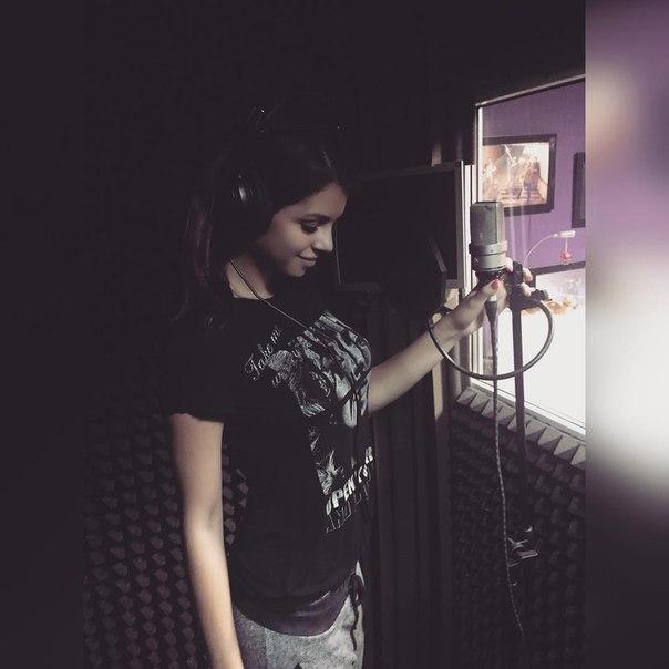 Асратян записала новую песню