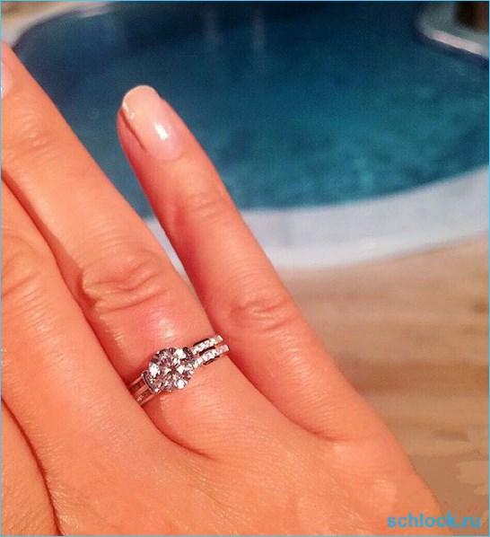 Чуй подарил шикарное кольцо
