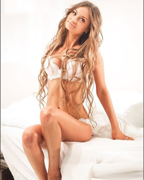 Мария Чужакова на съемках клипа T-killah