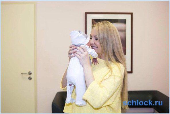 Дарья Пынзарь показала новорожденного малыша