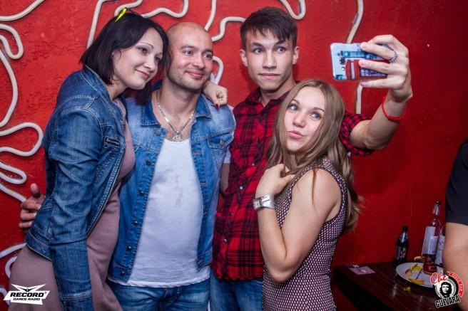 Андрей Черкасов в караоке (23 августа)