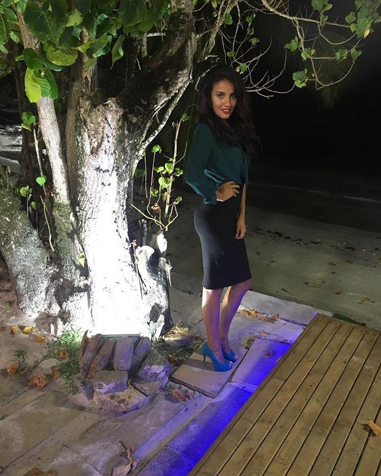 Свежие фото с Острова любви (26 октября)