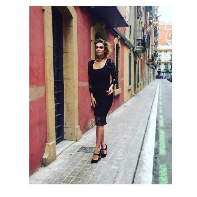 Алёна Водонаева на улицах Барселоны