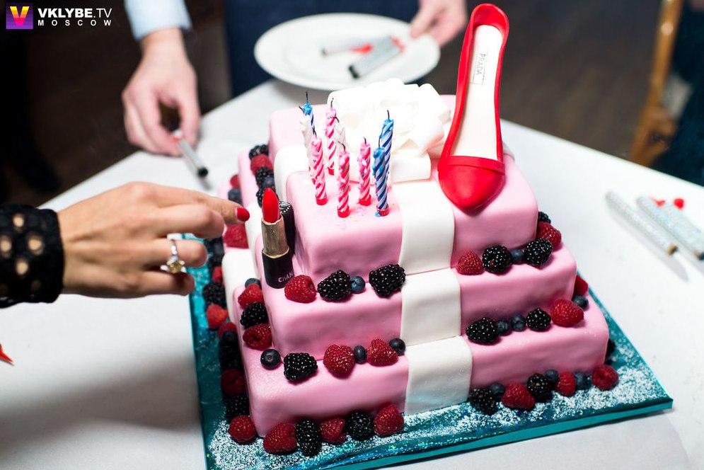 День рождения ведущей дома 2 (1 февраля)