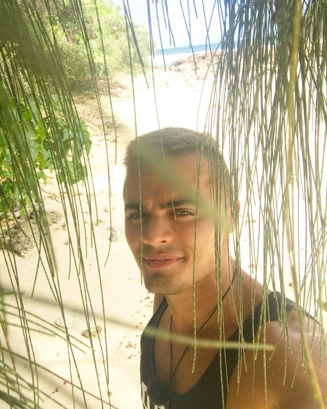 Свежие фото с Острова любви (30 июня)